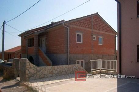 02-3978-30-Karlobag-House-For-Sale